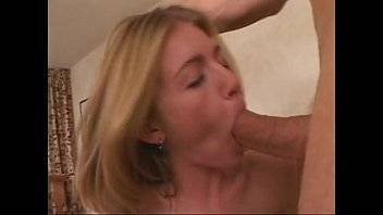 Aprender a fazer boquete com o marido da mãe