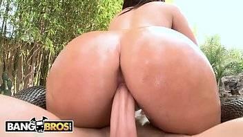 Porno gratis morena rabuda cavalgando no pau de seu amigo