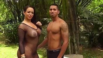 Samba pornô Angel Lima fode com um fã sem camisinha