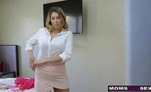 Videos sex comendo a a mãe gostosa da namorada