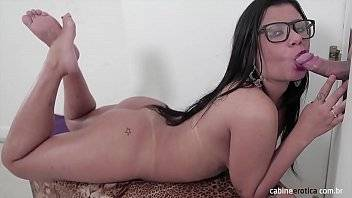 Buceta de famosas brasileiras morena ninfeta fodendo com seu amigo