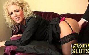 Buceta gostosa porno coroa safada fodendo com seu marido dotado