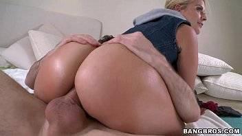 Sofrendo no sexo anal e fodendo demais