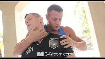 Videos de sexo gay gratis com o novinho massagista lambendo a pica grande