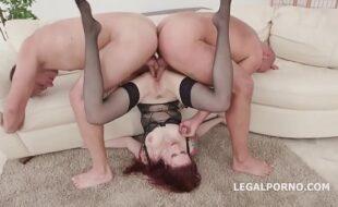 Barbara evans porno tomando duas pirocas ao mesmo tempo